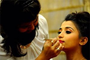 swanksalon_Party Makeup,Makeup Artist Vijetha Anand,Bridal Make over,Makeup Artist,Bridal Makeup,Bridal Makeup Artist,Best Bridal Makeup,Professional Makeup Artist,Bridal Studio,Top 10 Bridal Makeup Artist in Bangalore